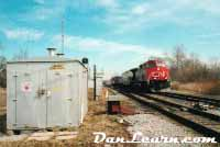 CN train switching cars